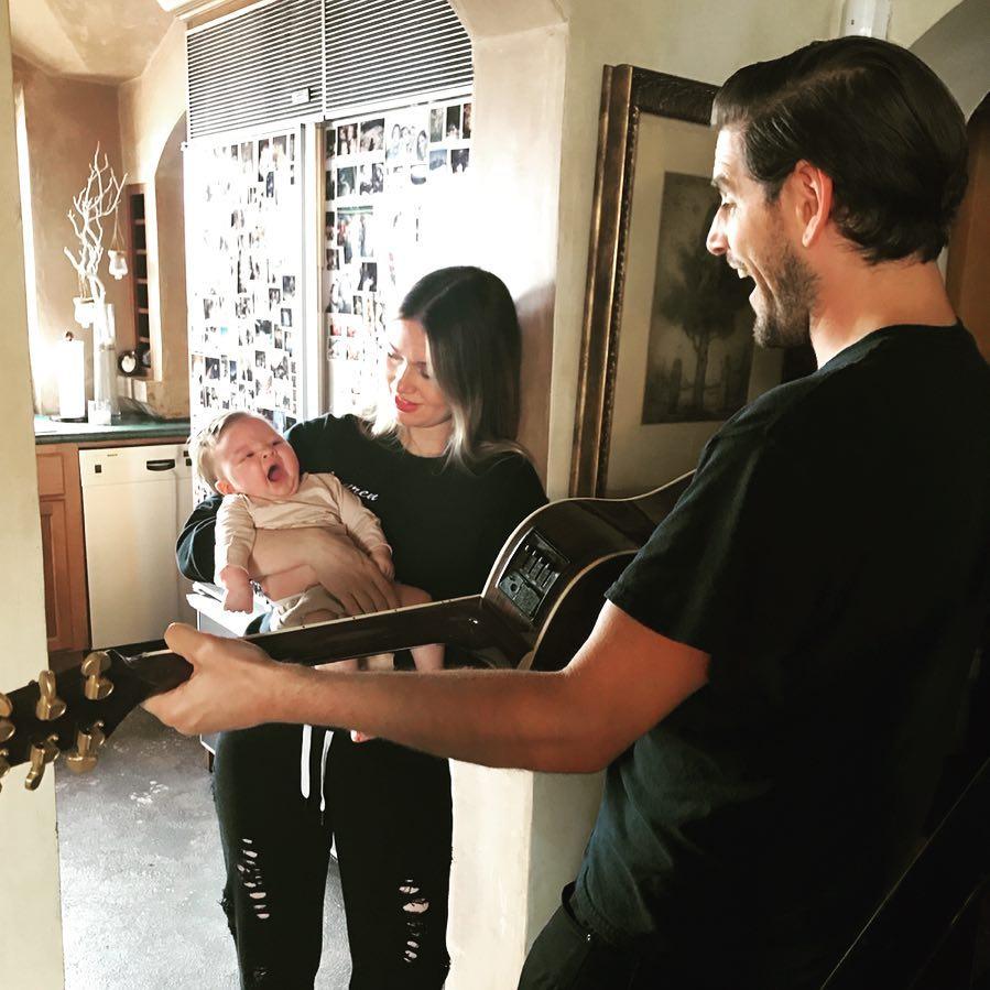 Малыш Кайли Дженнер и еще 8 звездных деток, которые родились в 2018 году