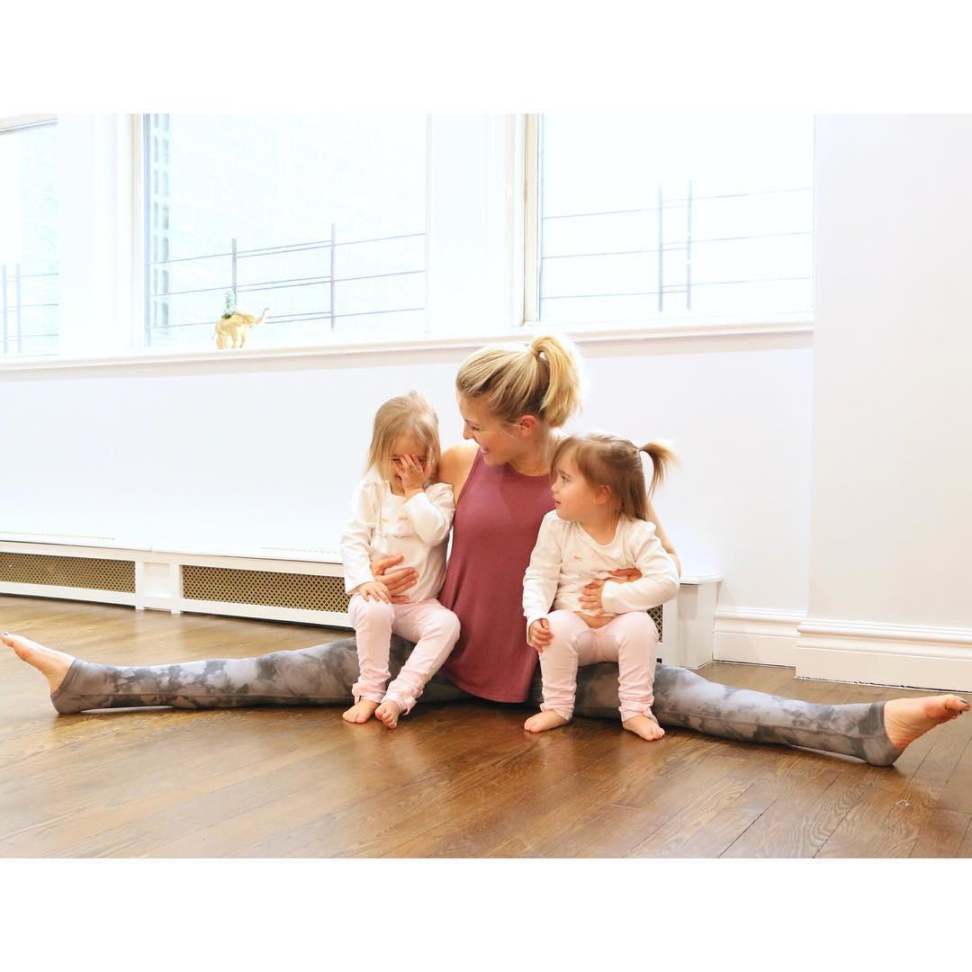 Эта многодетная мама придумала, как сидеть с детьми и в то же время худеть. Гениально!