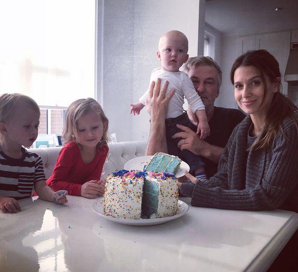 Алек Болдуин опять папа — жена родила актеру 4-го малыша (первое фото)