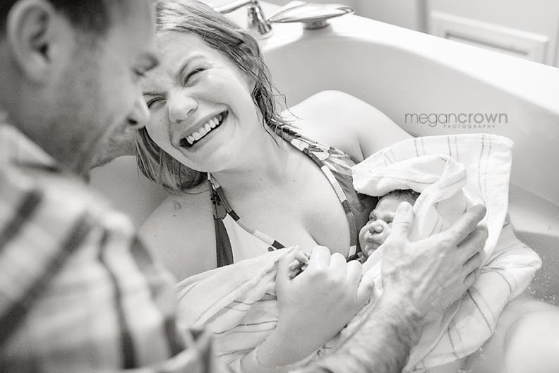 Эти 25 снимков только что родивших мам вызовут у вас мурашки. Эмоции зашкаливают!