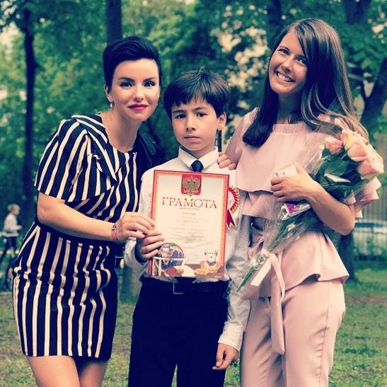 Как прошел Последний звонок-2018 у детей русских звезд — 8 фото