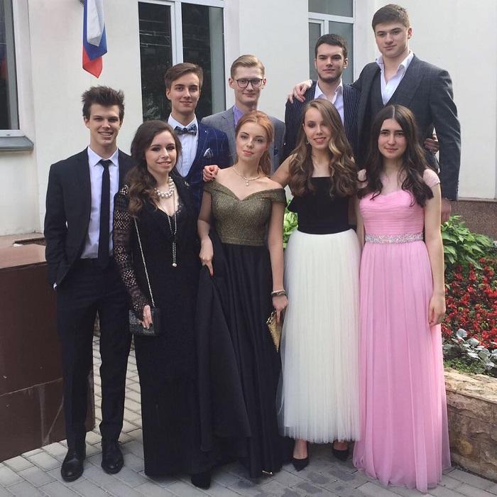 Звездный выпускной: 8 самых удачных выпускных нарядов детей звезд