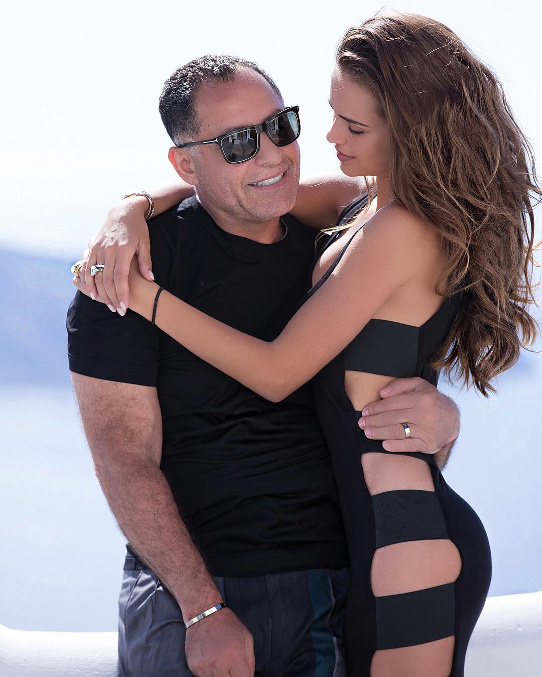 Любви все возрасты покорны: 28-летняя звезда Playboy беременна от 65-летнего миллиардера