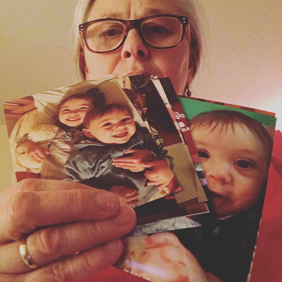 Для бабушек создали сервис, чтобы отправлять распечатанные фото прямо из Instagram