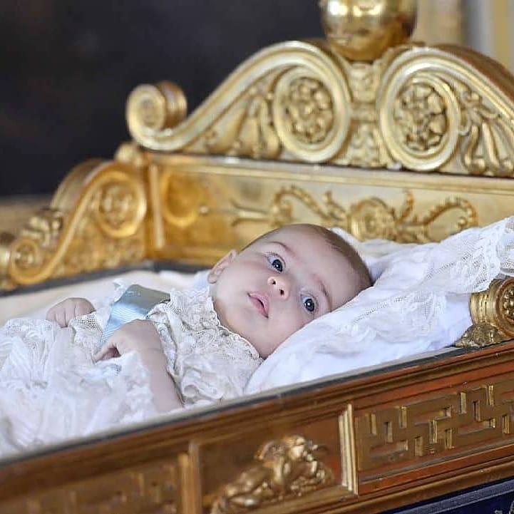 12 свежих фото звездных деток, которые точно выдавят у вас слезу умиления