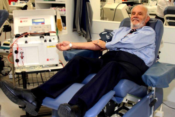 Кровь этого австралийца спасла более 2,5 млн. детских жизней. Она уникальна!