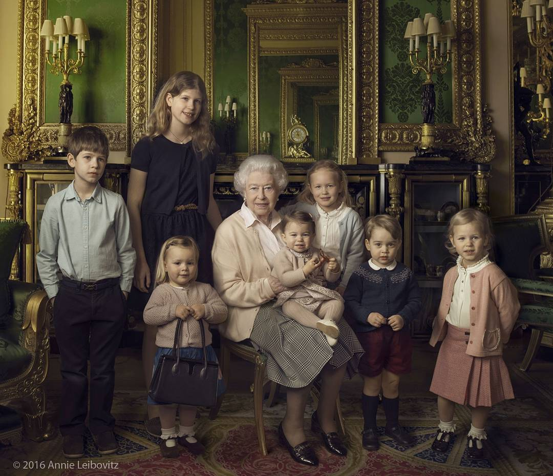 С родов сразу напоказ и еще 9 фактов о деторождении в британской королевской семье