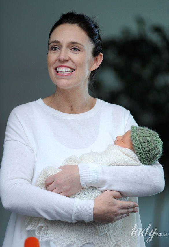 Впервые в истории премьер-министр ушла в декрет по уходу за ребенком