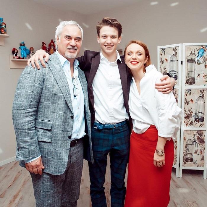 На первый план выходит папа: А. Джанабаева — об отношениях Меладзе с сыновьями