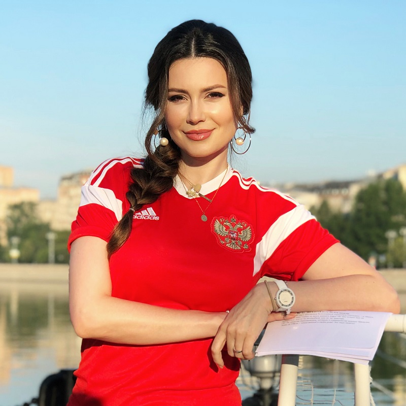 Ведущая Первого канала вернулась к работе уже через 2 месяца после родов