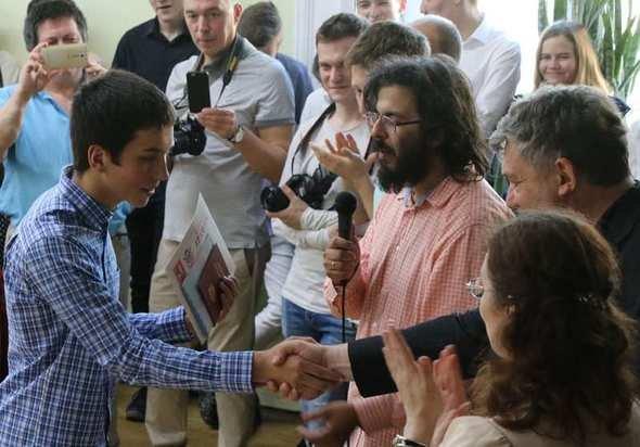Школьник из Москвы набрал 400 баллов по ЕГЭ и стал звездой новостей