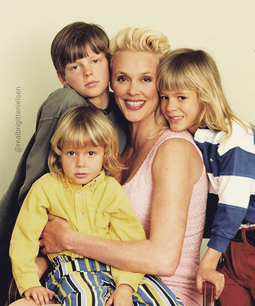 54 года — детям не помеха: известная датская актриса родила пятого ребёнка