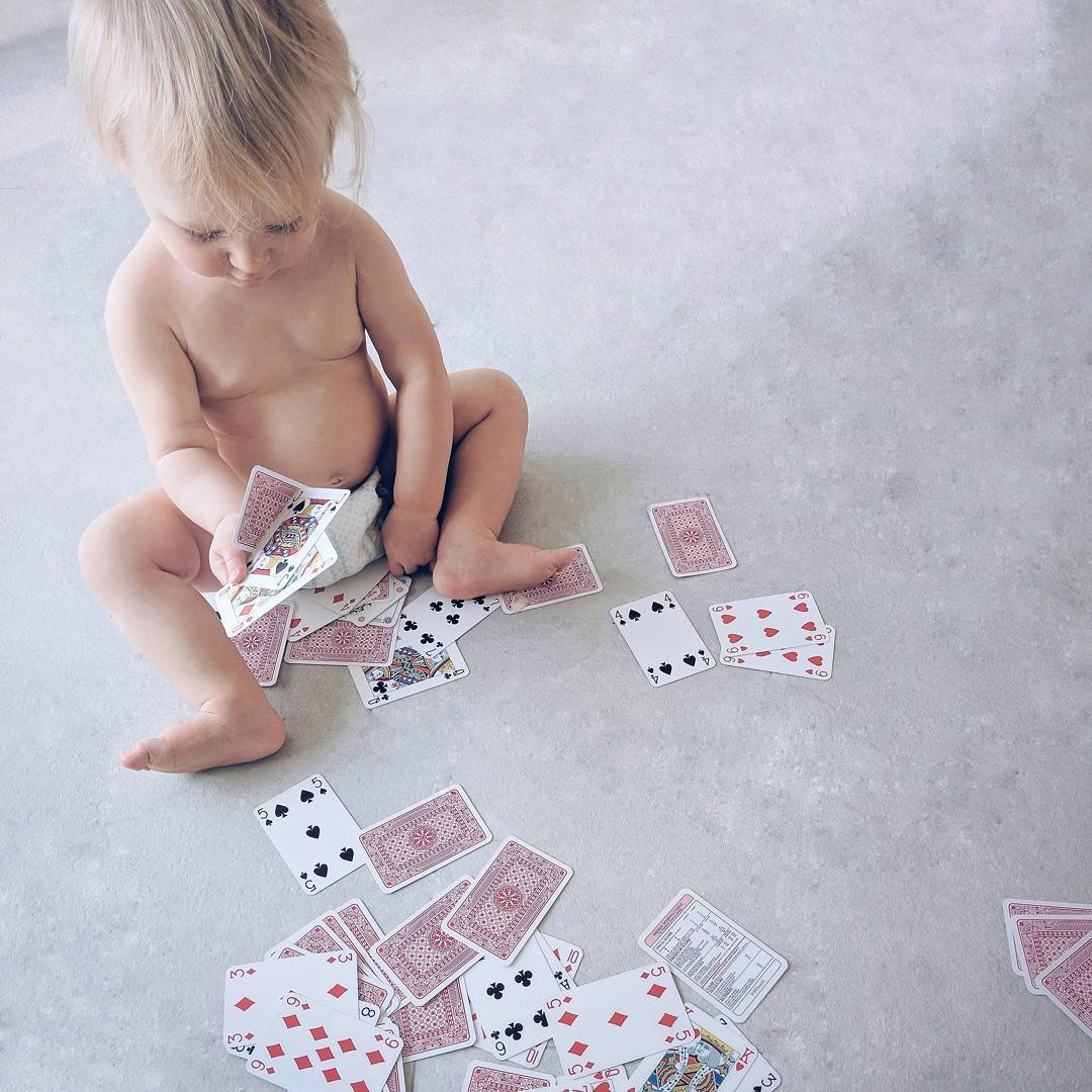 Эти 17 ироничных снимков о жизни отца маленькой проказницы растопят ваше сердце