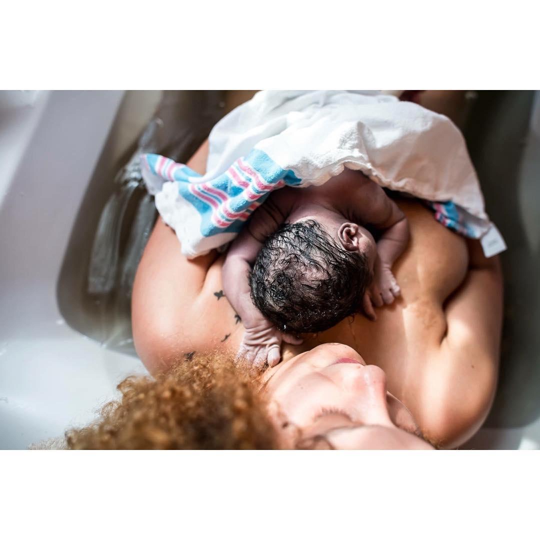 Восьмое чудо света: 12 фантастических фото родов, от которых захватывает дух