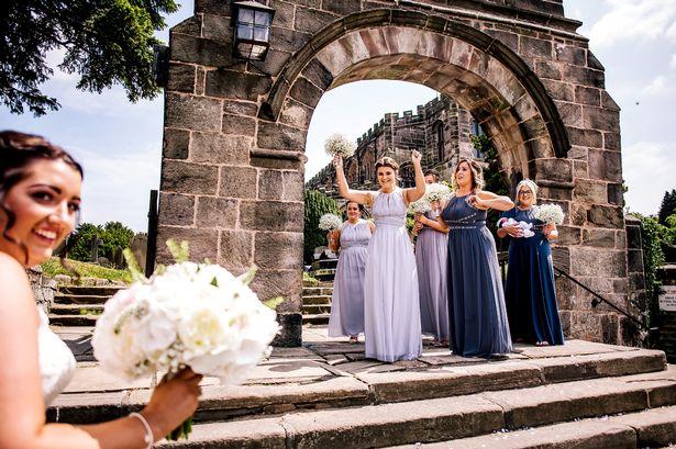 Британка так хотела попасть на свадьбу сестры, что приехала туда через 5 часов после родов