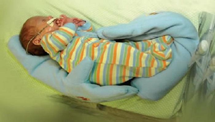 Эта мама увидела перчатку и поняла, как спасти жизнь своему недоношенному ребенку