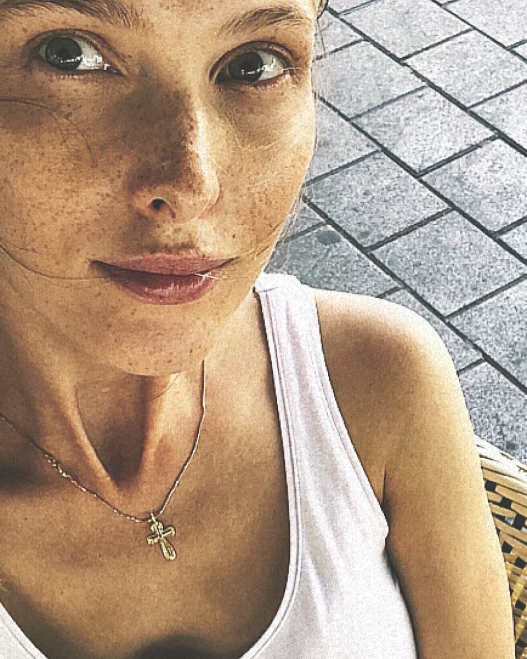 Светлана Иванова удивила фанатов идеальной фигурой спустя 3 месяца после родов