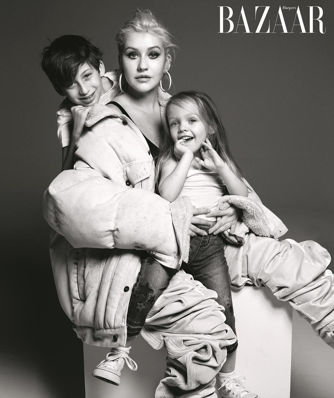Набрала лишнего: неужели Кристина Агилера беременна третьим ребенком?