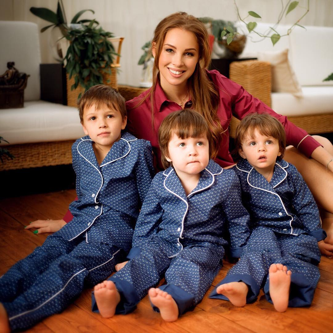 Эти звездные мамы до 35 лет успели родить минимум по три ребенка