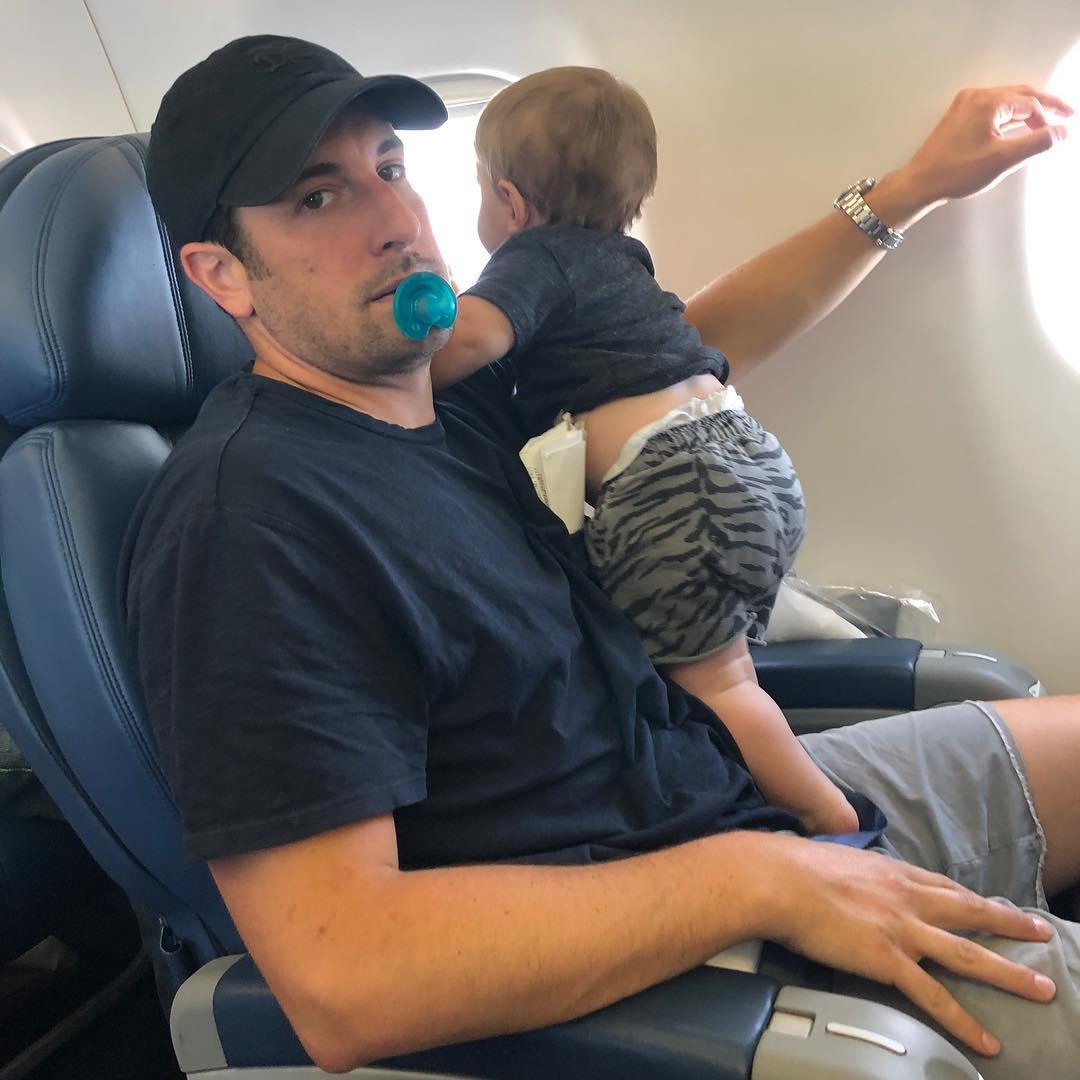 Мой муж — хороший папа, и это норма, а не подвиг: актриса Дженни Моллен о роли отца в жизни детей