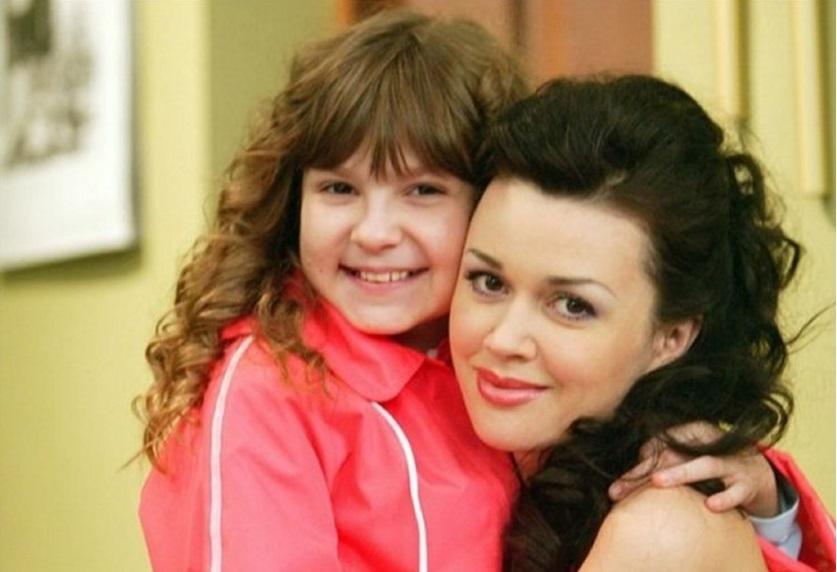 Как сейчас выглядят 8 детей-актеров из самых популярных российских сериалов