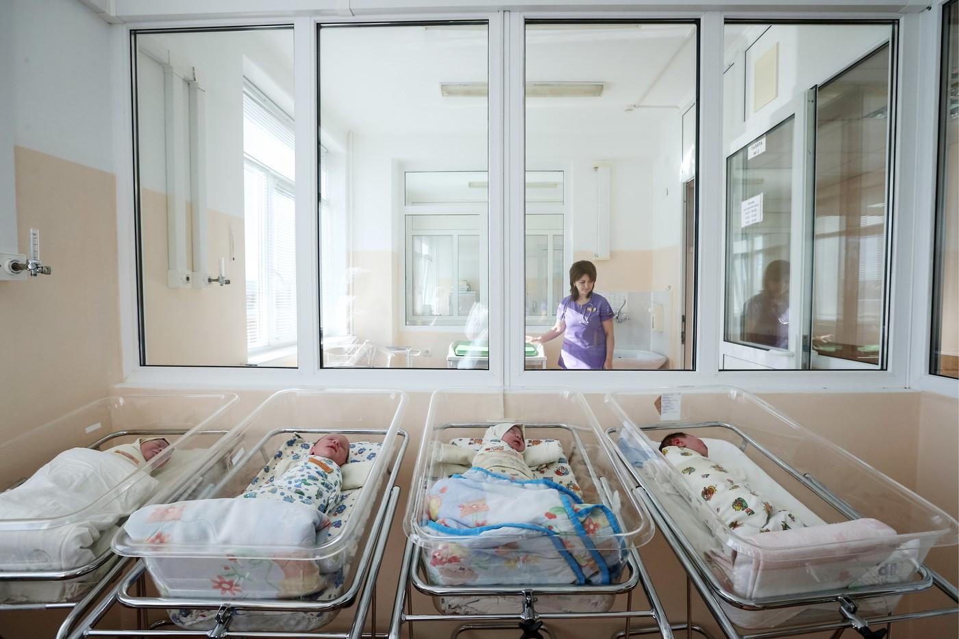В Приморском крае 35-летняя мама родила богатыря весом 5,86 кг