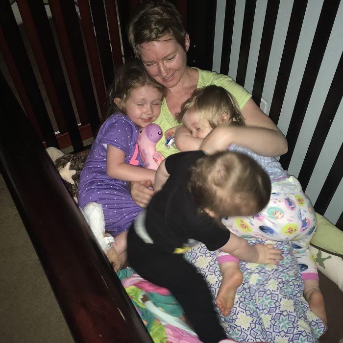 Мама 3-х детей показала всю правду о том, как проходят ее будни (21 фото)