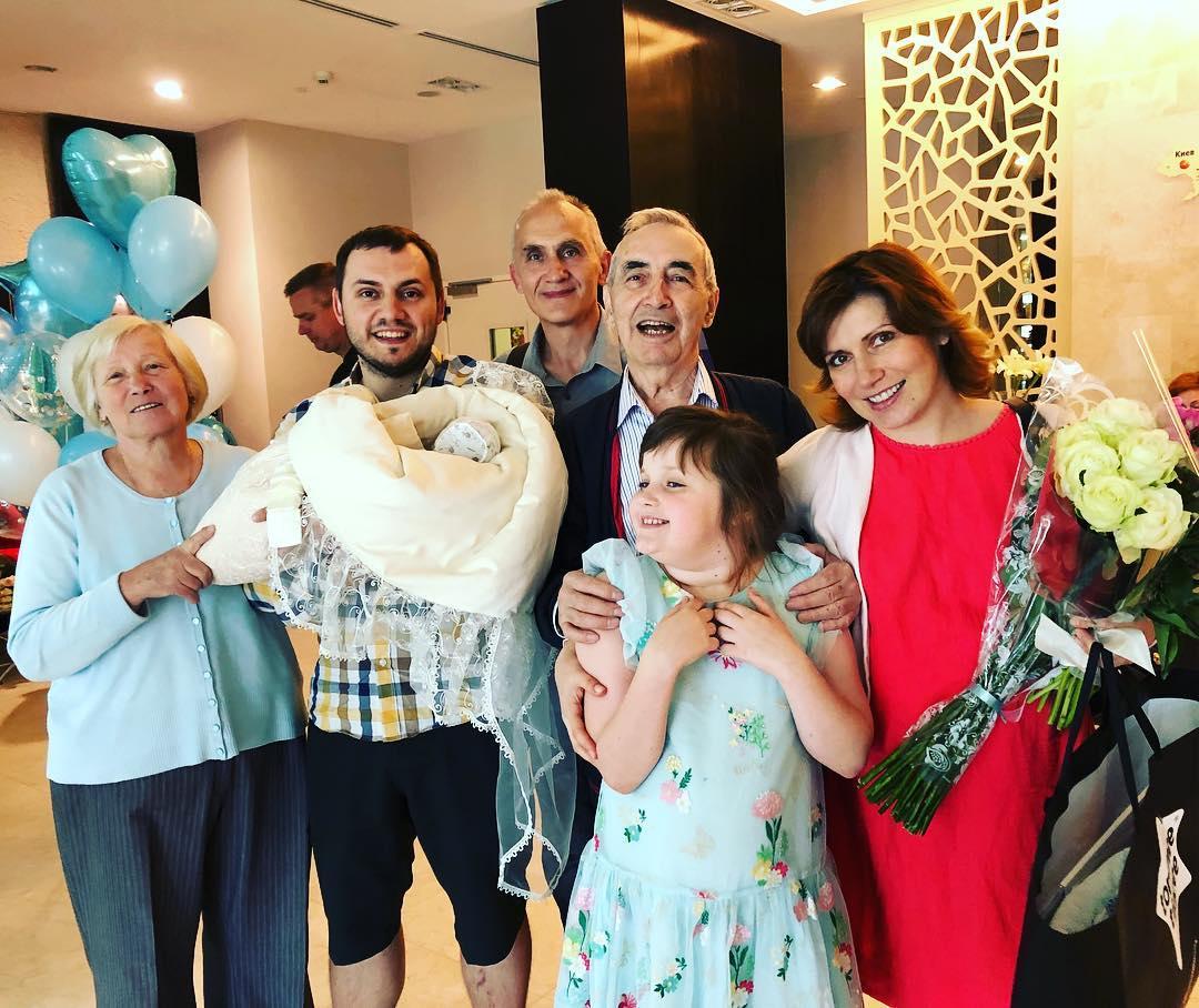 41-летняя телеведущая Светлана Зейналова хочет усыновить ребенка