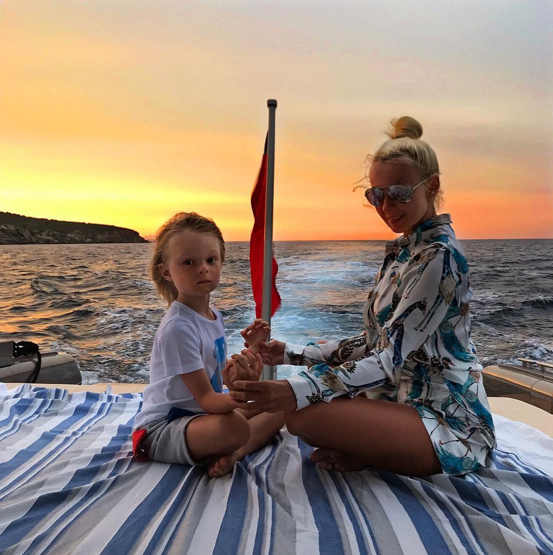Лето-2018: как отдыхают дети российских звезд