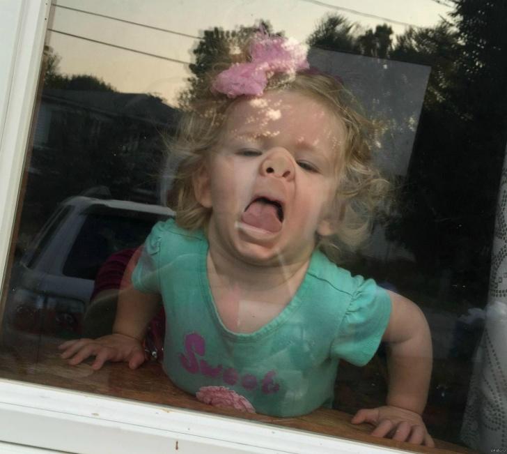 Эти дети знают, как пощекотать нервы своих родителей (12 страшно смешных фото)