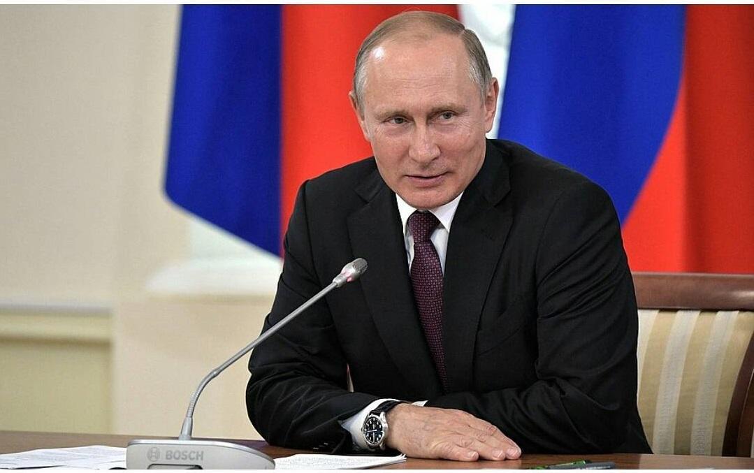 Многодетные мамы смогут выйти на пенсию досрочно — Владимир Путин