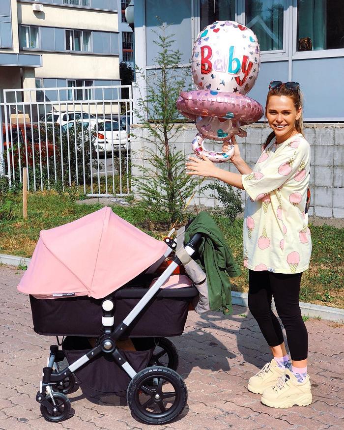 Пожелаем счастья: 10 звезд, которые стали мамами этим летом