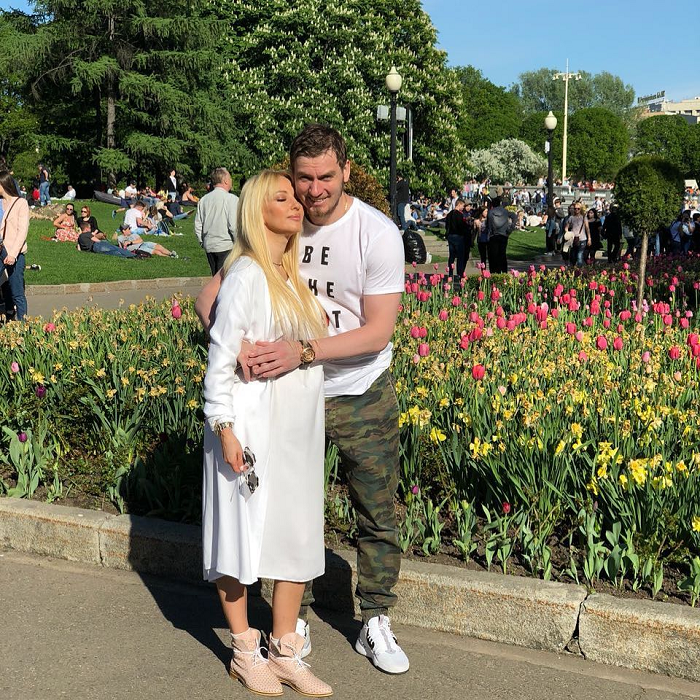 Лера Кудрявцева — честно о родах, муже и почему боялась повторить ошибку Лободы