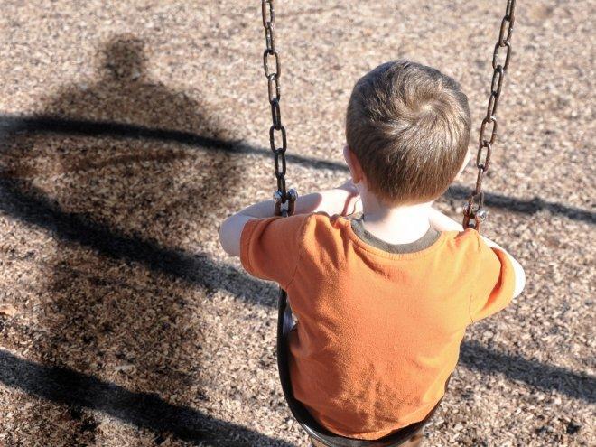 Научите этому правилу своего ребенка — и ни один незнакомец не сможет увести его с собой