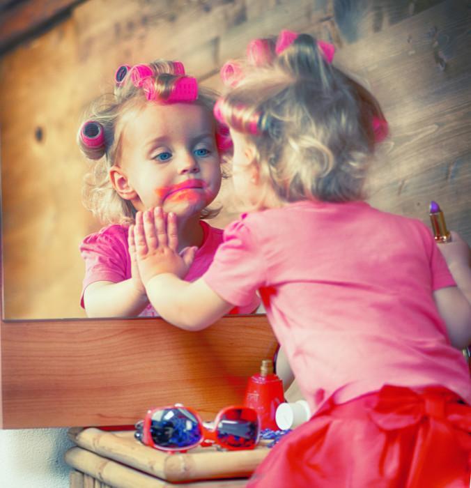 Вот что бывает, если малыш и мамина косметичка остаются один на один (20 фото)
