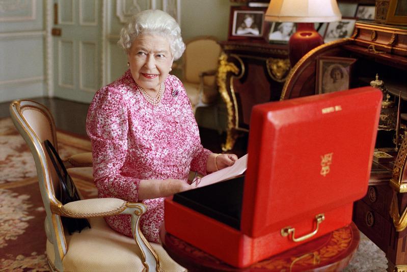 Как рожают наследников британского престола: 10 самых странных традиций