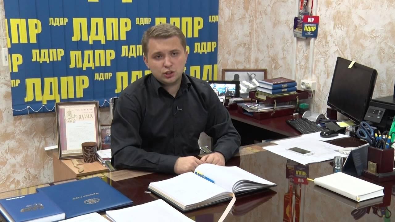 В России хотят запретить школьникам телефоны дороже 5000 рублей