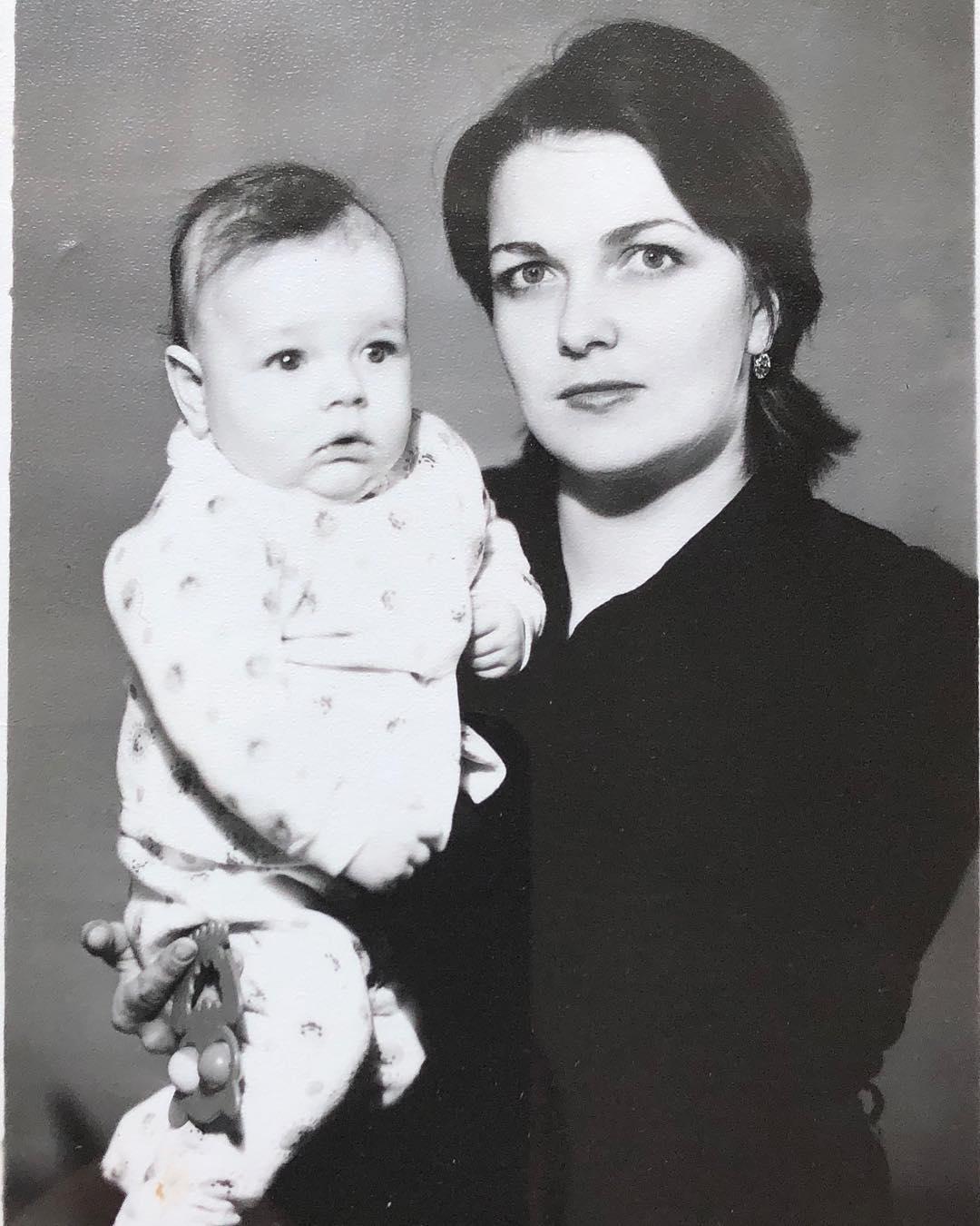 Ближе, чем родной отец: 6 российских звезд, которых поднял на ноги отчим