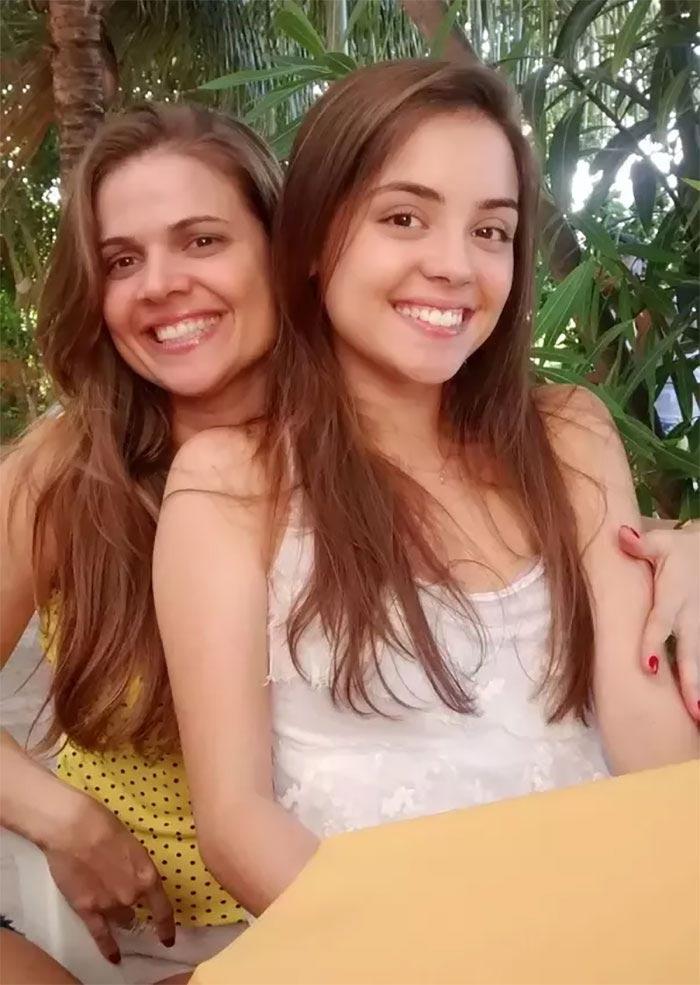 Этих 25 мам вы ни за что не отличите от дочерей — видимо, они знают секрет молодости