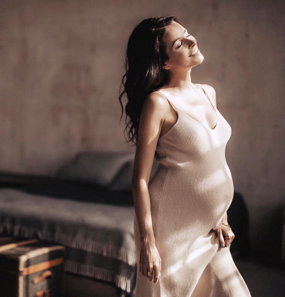 Ирена Понарошку беременна вторым ребенком (подробности)