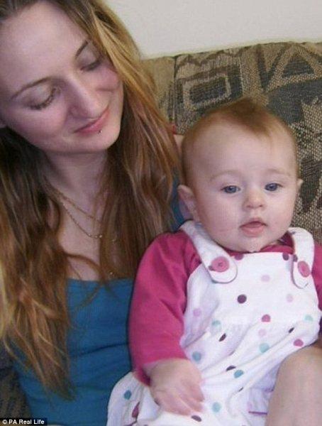 Врачи не верили, что после лечения она сможет сама родить, но случилось чудо
