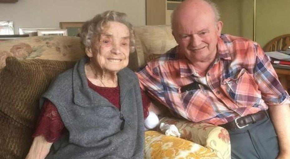 Возраст — счастью не помеха: женщина в 100 лет пошла под венец в 3-й раз
