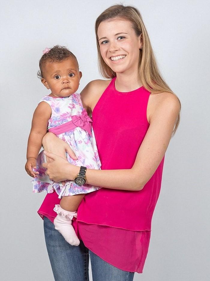 19-летняя медсестра узнала о своей беременности за 2 часа до родов, когда у нее начались схватки