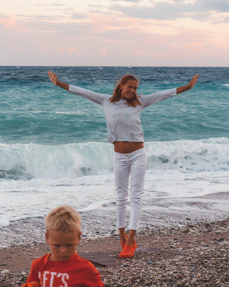 10 самых красивых многодетных мам в Instagram, пример которых вдохновляет